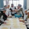Venda de pasteis na Apae supera expectativas